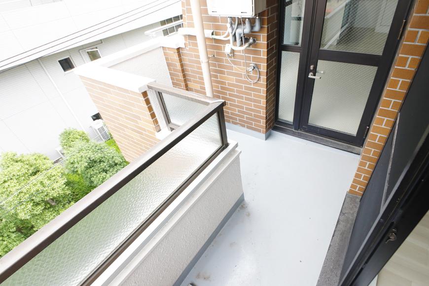【泉ロイヤルビル】5C号室_洋室(4.5帖)から南西側のバルコニー_MG_4696