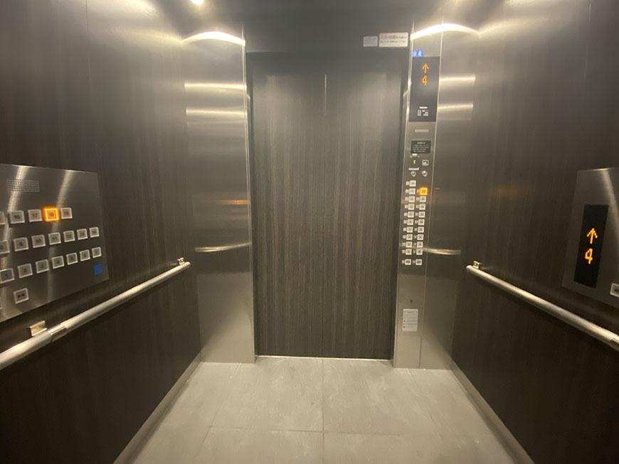 シティタワー丸の内 エレベーター中