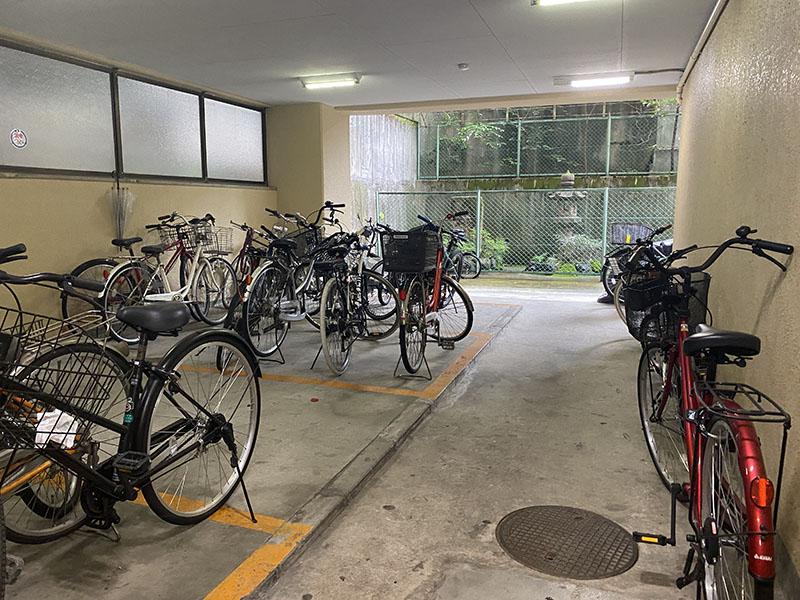 ダイアパレス栄公園 303号室 駐輪場