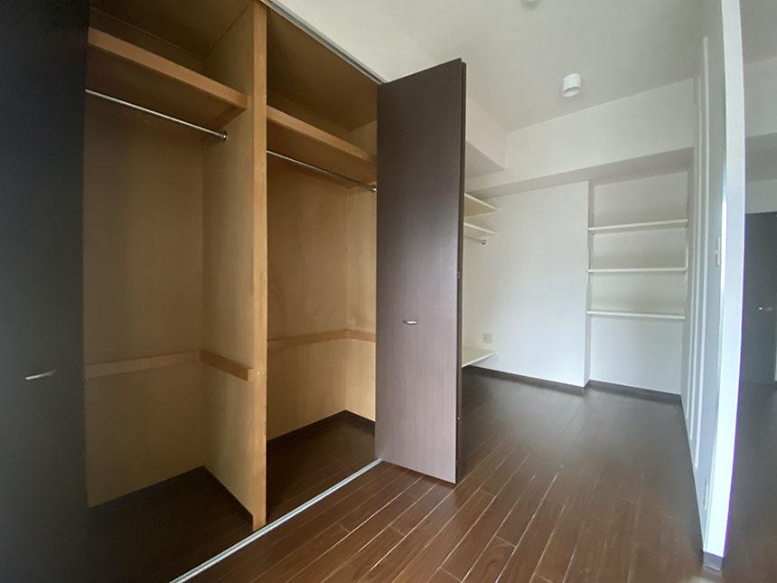 コージィーコート新栄 301号室クローゼット
