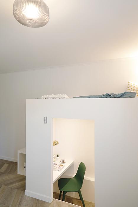 上部をベッドスペース、下部を収納やワークスペース・趣味のスペースとして使えます。_MG_6413