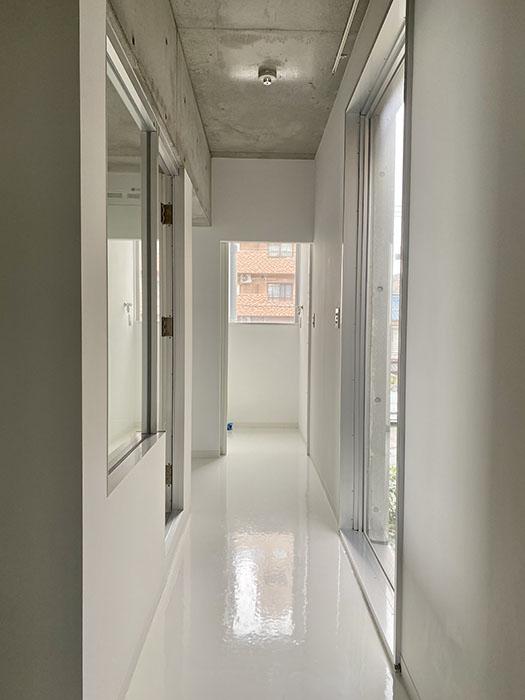クレイタスパークI 201号室廊下