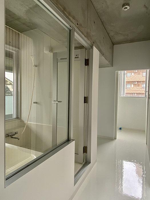 クレイタスパークI 201号室お風呂前廊下
