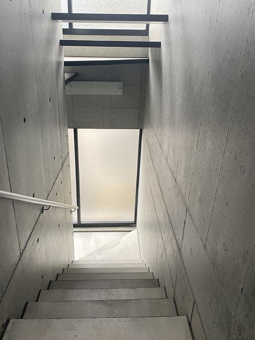 HK2 west 階段
