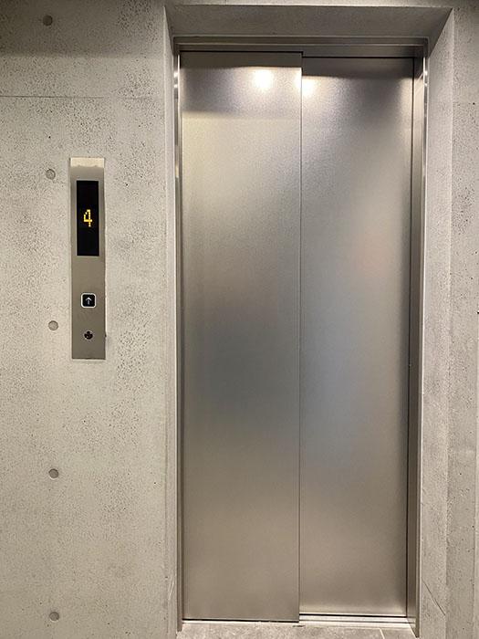 PULCHRA OZONE エレベーター