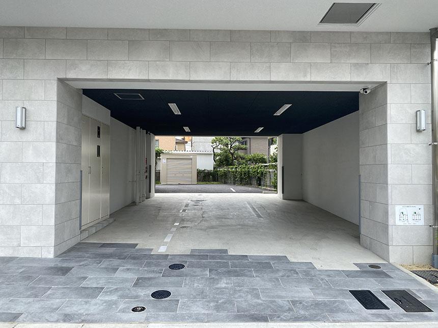PULCHRA OZONE 駐車場