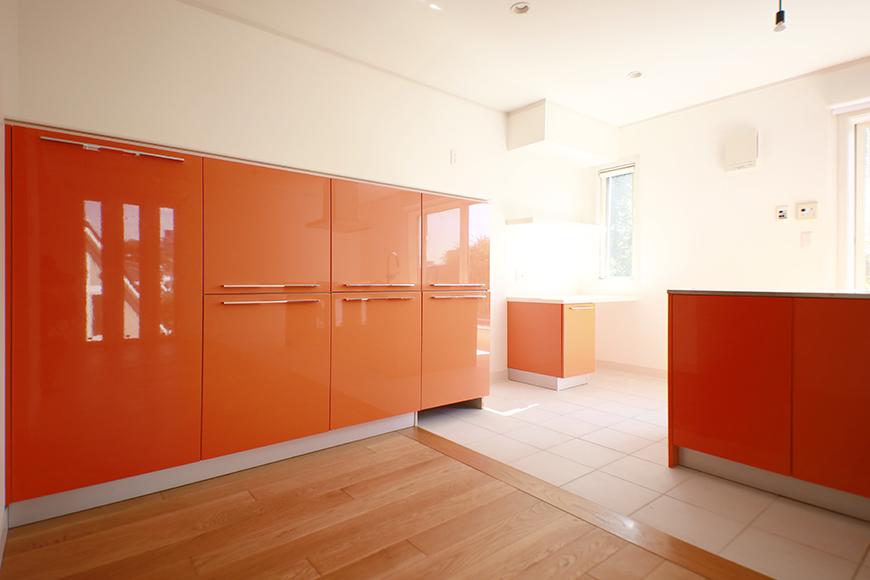 【高峯Classics S棟】001号室_オレンジがアクセントのキッチン!_MG_1758