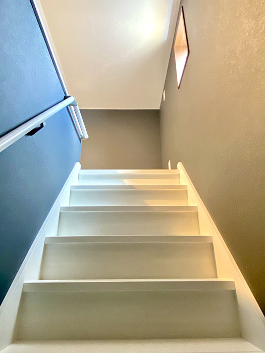 Brace ロフトへの階段