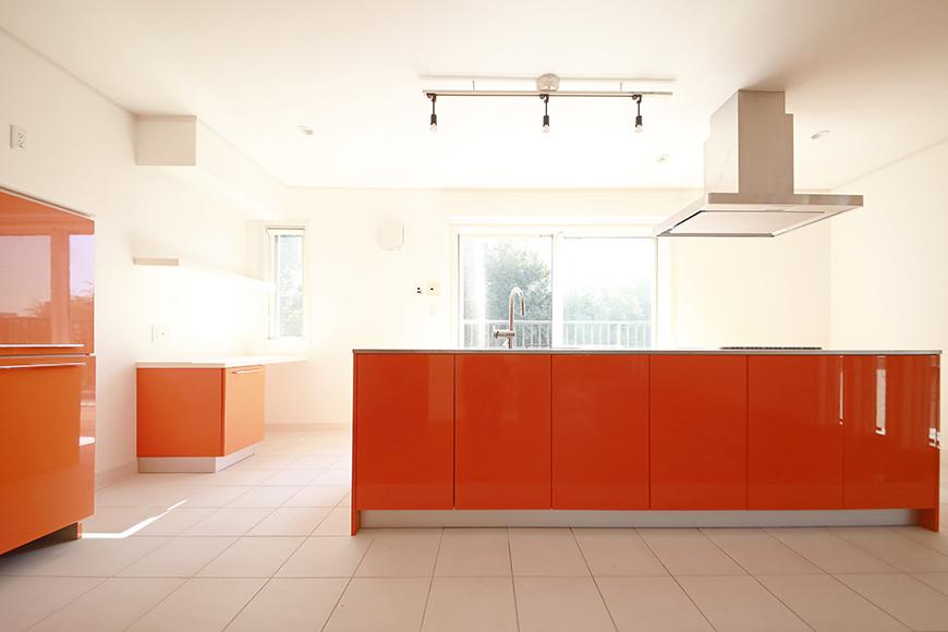 【高峯Classics S棟】001号室_オレンジがアクセントのキッチン!_MG_1763