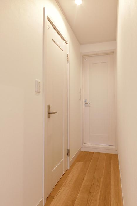 【高峯Classics S棟】002号室_2階_右)トイレ、左)サニタリースペース_MG_1509