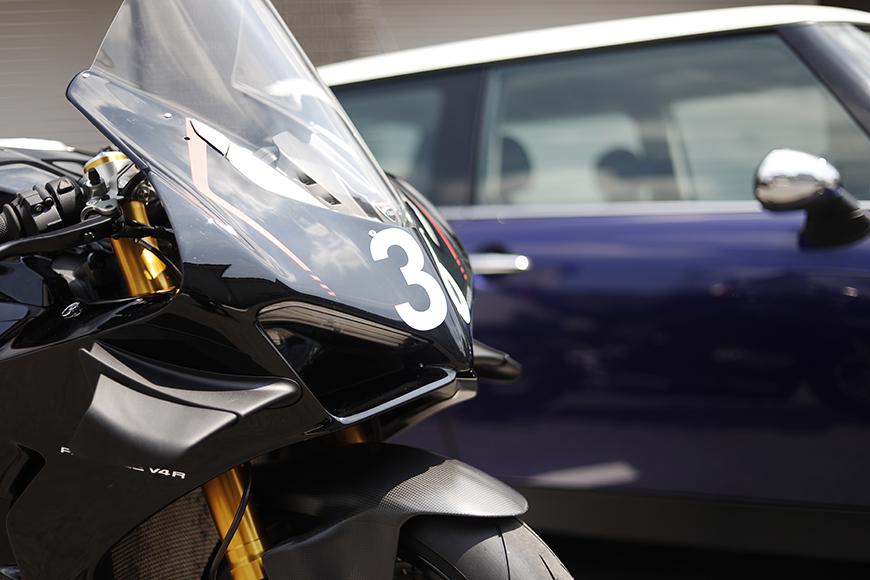 【ガレリア勝川】_ガレージ前のバイク・車_イメージ_MG_8802