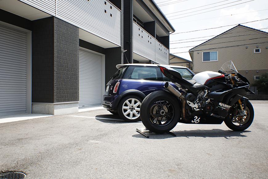 【ガレリア勝川】_ガレージ前のバイク・車_イメージ_MG_8789