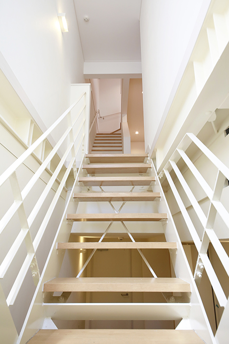 【高峯Classics S棟】002号室_地下1階から1階へ_MG_1165