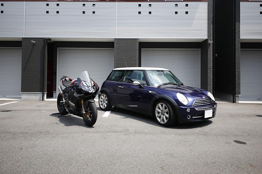 【ガレリア勝川】_ガレージ前のバイク・車_イメージ_MG_8741