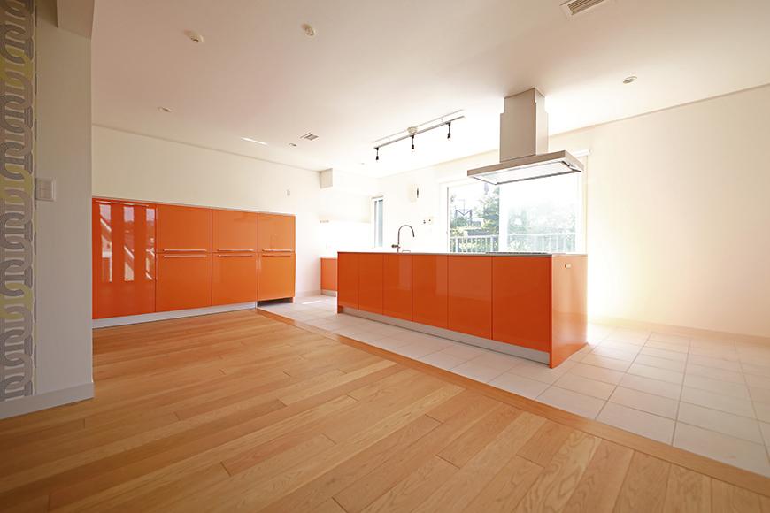 【高峯Classics S棟】001号室_オレンジがアクセントのキッチン!_MG_1735