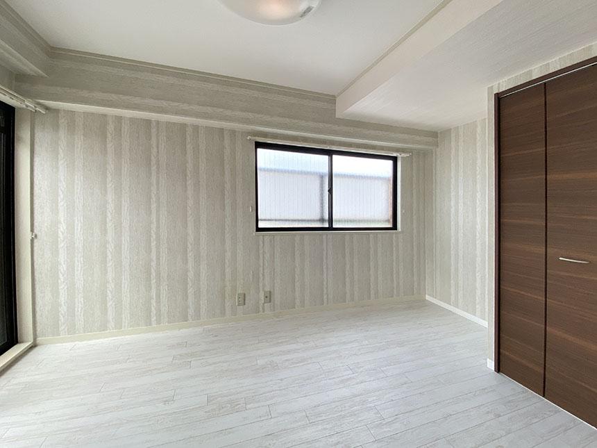 南山ハイツ 402号室 6帖洋室