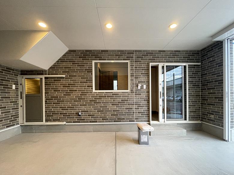 House VQ元中野_ガレージから室内方向を見た所_IMG_2567