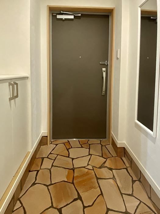 グランレーヴ東別院WEST 102号室玄関