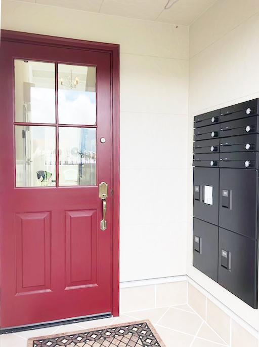 右側壁面にあるのは宅配ボックスです。_IMG_1837