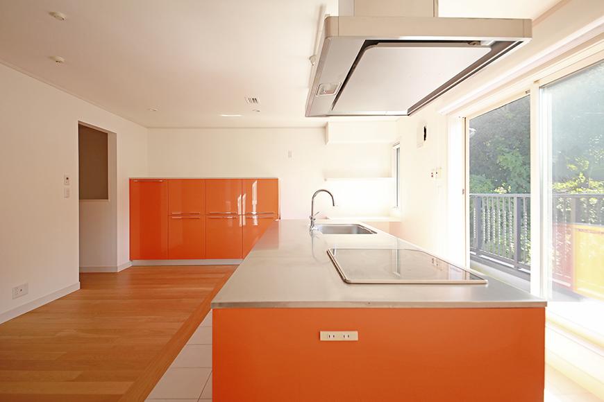 【高峯Classics S棟】001号室_オレンジがアクセントのキッチン!_MG_1741s