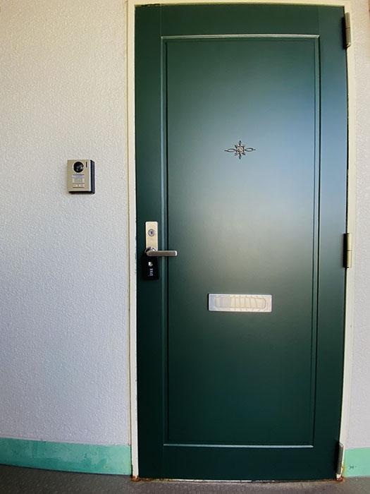 レジデンス安藤2E 玄関ドア
