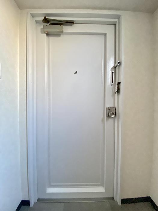 日映マンションⅠ 306号室 玄関ドア裏