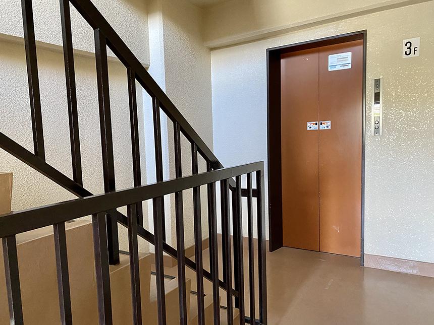 日映マンションⅠ 306号室 エレベーター