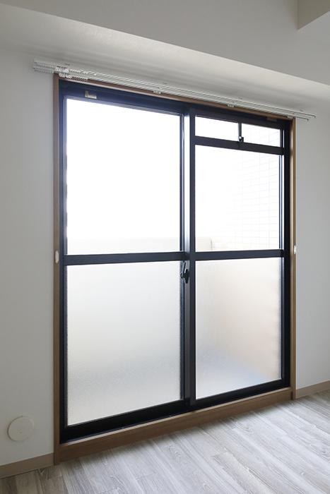 【ハーモニアス桜本町】701号室_洋室1_ベランダへの窓_MG_2842