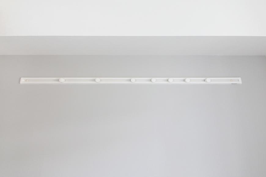 【ハーモニアス桜本町】701号室_洋室1_壁付・可動式のハンガーフック_MG_2838