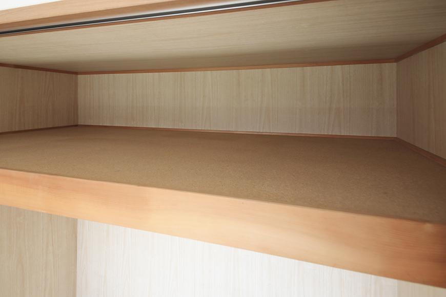 【ハーモニアス桜本町】701号室_LDK_大きめのクローゼット収納_上段の棚_MG_3053