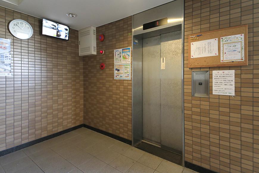 【ハーモニアス桜本町】外観・共有_1階エレベータホール_MG_2669