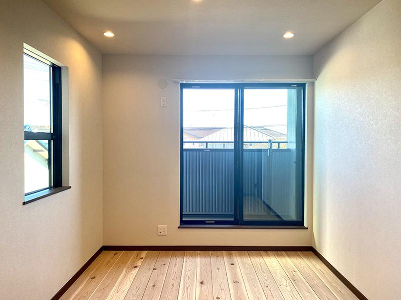 トヨヤマテラスE棟 2階洋室2